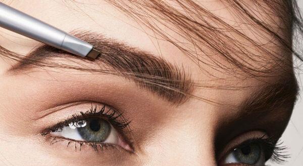 Как покрасить брови самой себе